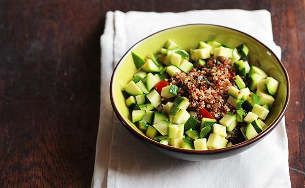 Petite salade fraîche de quinoa et bourrache