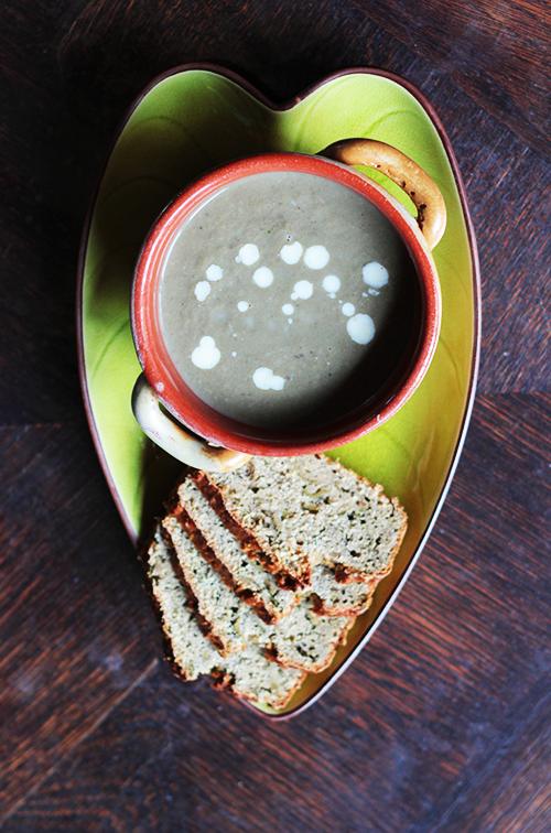 Velouté champignon + pain anchois